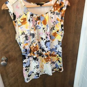 Limited sleeveless top floral watercolor Medium